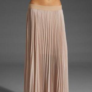 Maxi pleated skirt BCBG Light Pink